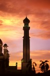 The Amar Ali Saifuddien Mosque at sunset  Trip: Brunei to Bangkok Entry: Meeting the Sultan of Brunei Date Taken: 27 Nov/03 Country: Brunei Taken By: Laura Viewed: 1354 times Rated: 9.2/10 by 6 people